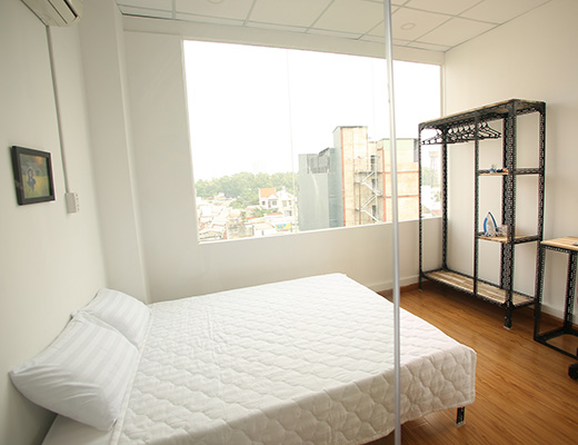 D2R5A-Fully furnished Studio Apartment, Cool Space, Window View