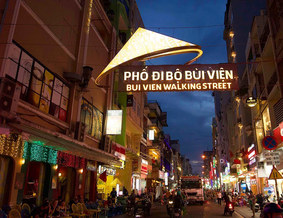 GO ROUND BUI VIEN TOWN TO DISCOVER WHAT TOURISTS ARE DOING WITHIN 24H