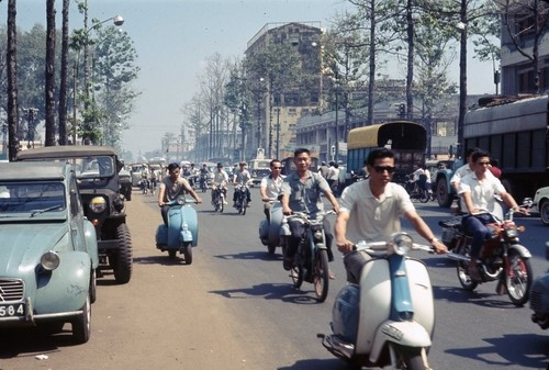 THE CHANGE OF SAIGON STREETS AFTER NEARLY A HALF OF CENTURY